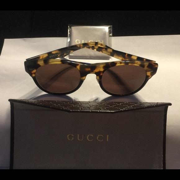 Gucci Sunglasses With Gucci Accessories